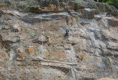 落石防护网案例